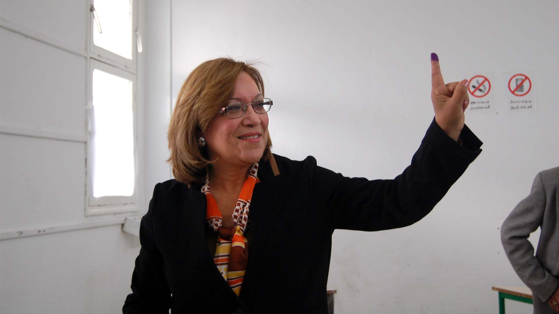 11-tnelec2014-presidentielle-doigt-encre-kannou-1920-inkyfada
