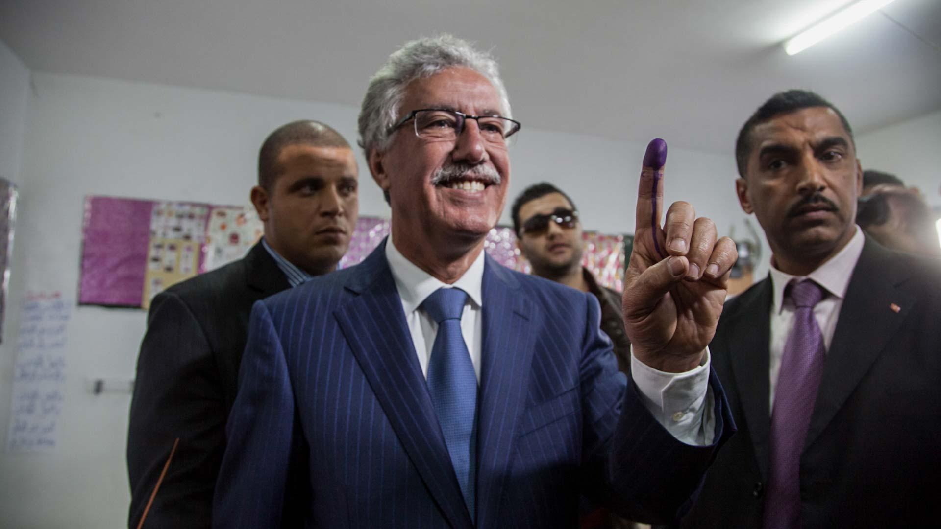 5-tnelec2014-presidentielle-hammami-vote-doigt-1920-inkyfada