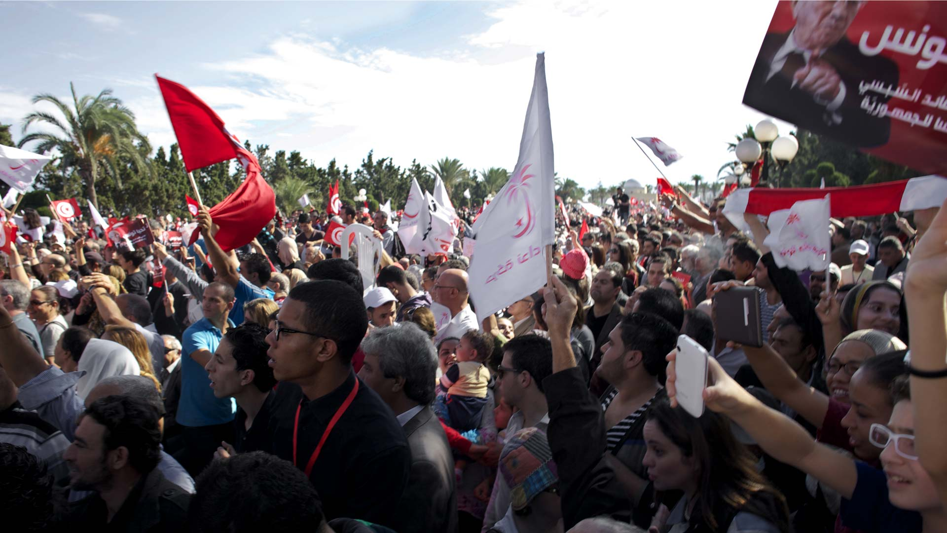 com-politique-election-tunisie-foule-bce-1920-inkyfada