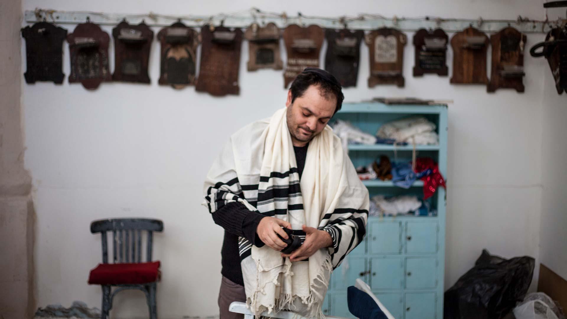 02-portrait-yves-tunisien-juif-priere2-inkyfada