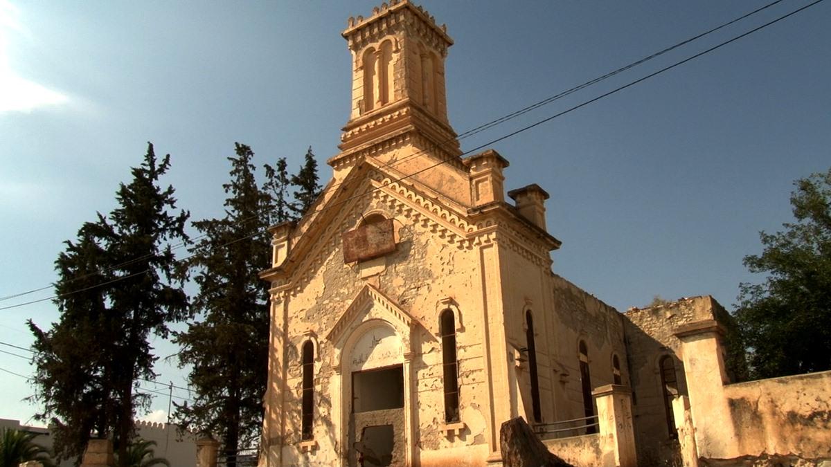 """""""Maison de la culture du peuple"""" en ruine"""