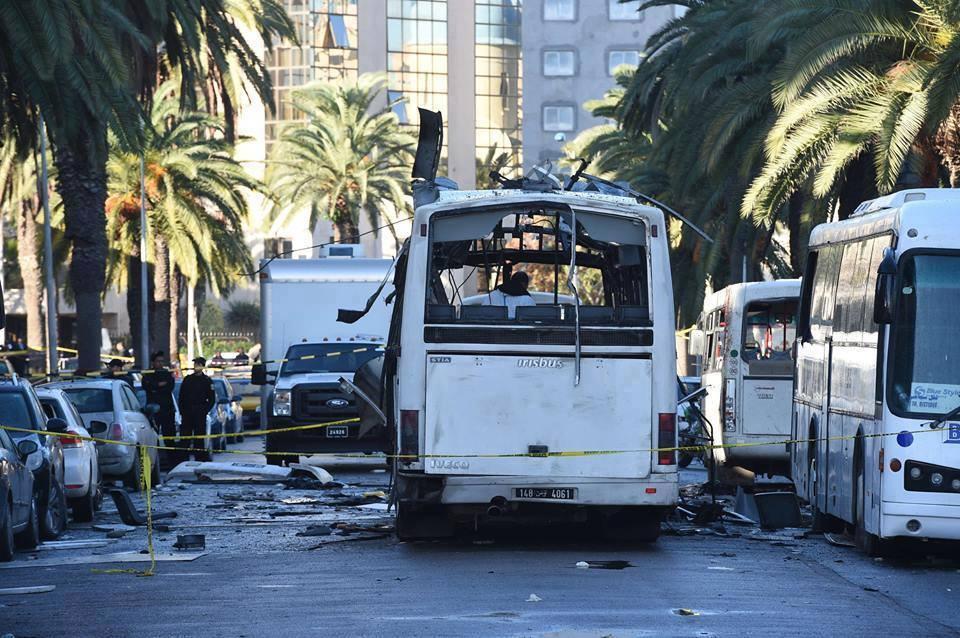 tunisattack-bus-gde-presidentielle-attentat-kamikaz-terrorisme-tunisie-inkyfada