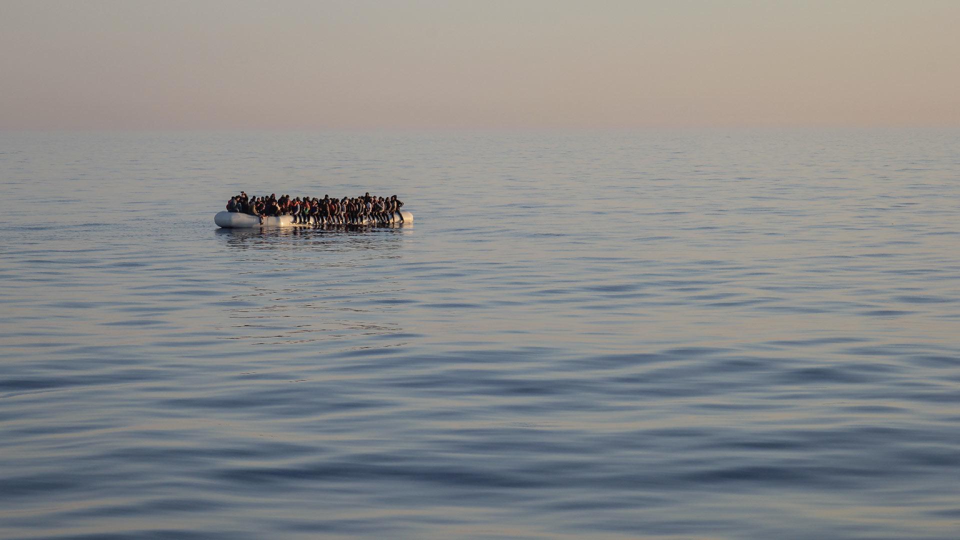sauvetage-migrants-mediterranee-SAR-zodiac-bertoluzzi-inkyfada-1920